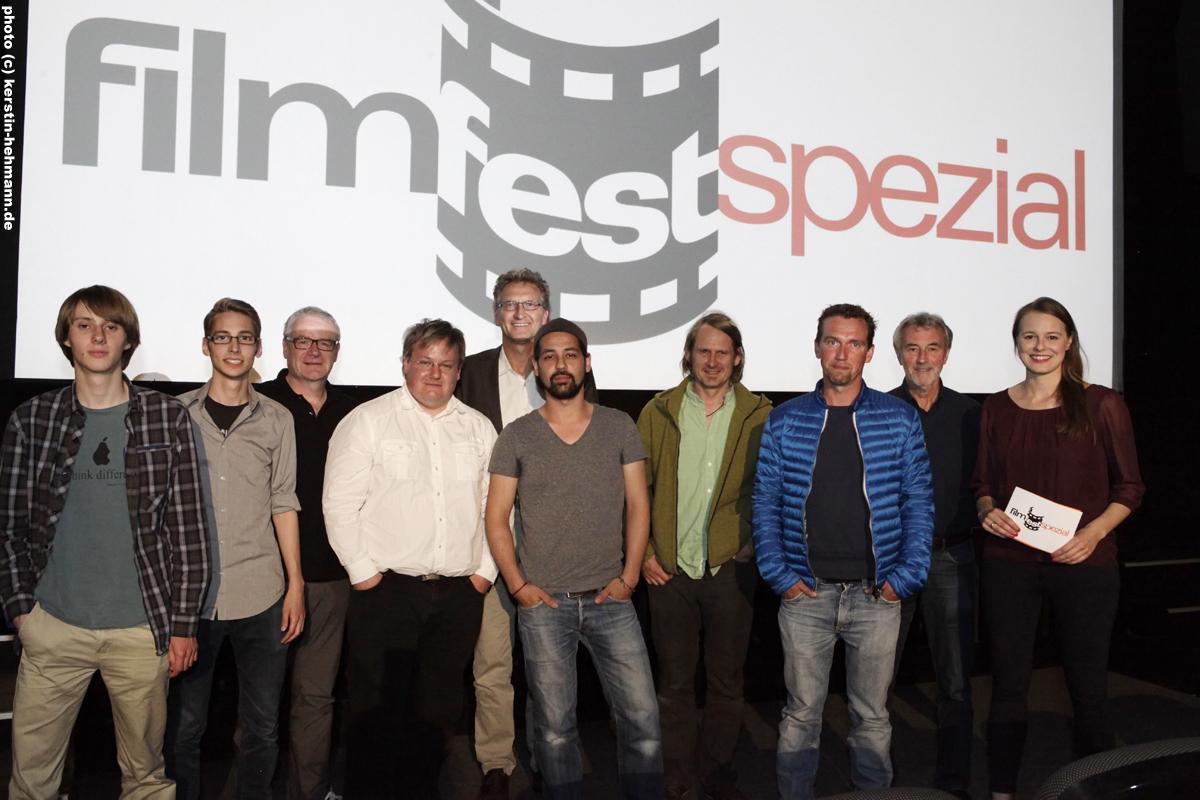 Lukas Wesslowski (HOME), Phil Rieger (Mehr als 1000 Worte), Klaus Buchholz (NLM), Thomas Böhm (Mehr als 1000 Worte), Peter Mauer-Ebeling (h1), Roman Meyer-Paulino (Attentat), Chris Ostermann (Regie FilmFestSpezial), Andreas Neckritz (Volkspark),  Karl Maier (Film & Medienbüro Niedersachsen), Clara Beutler (Moderation FilmFestSpezial).